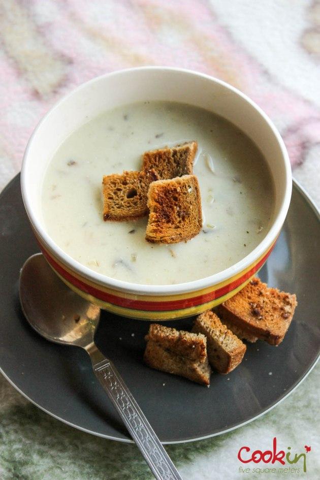 Creamy mushroom soup-cookin5m2-2
