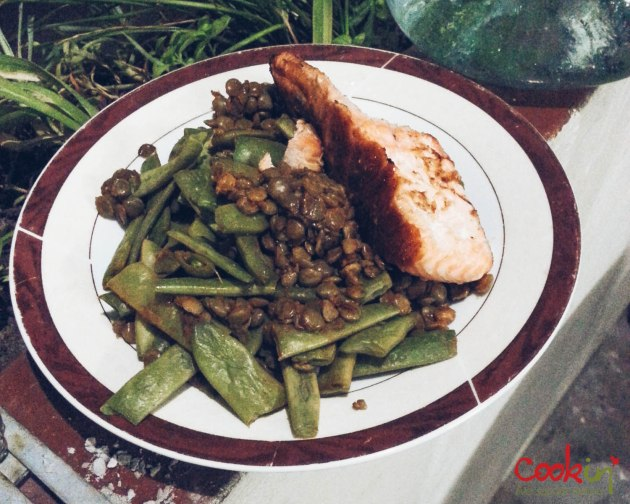 Roasted Salmon with Green Beans and Lentils - Dinner