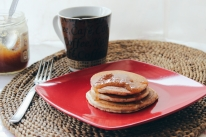 https://cookin5m2.com/2014/08/13/comeback-and-recovery-with-an-easy-vegan-pancakes/