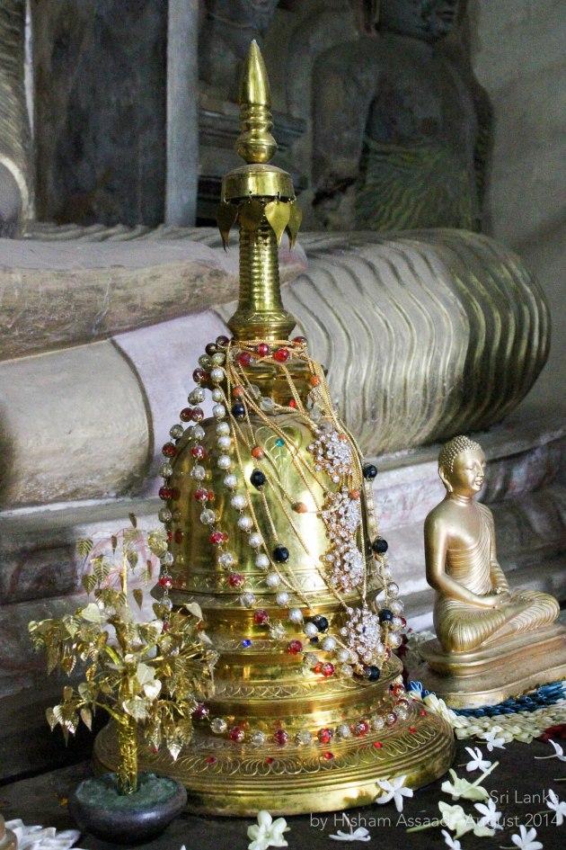 Inside Lankatilaka Vihara