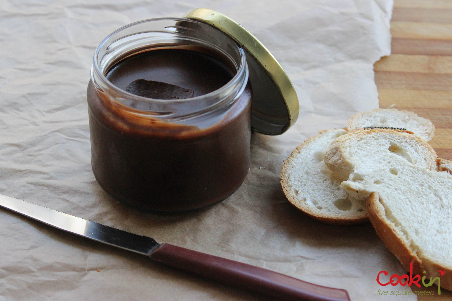 chocolate hazelnut spread 3 cups hazelnuts 150g dark chocolate 1 tbsp ...