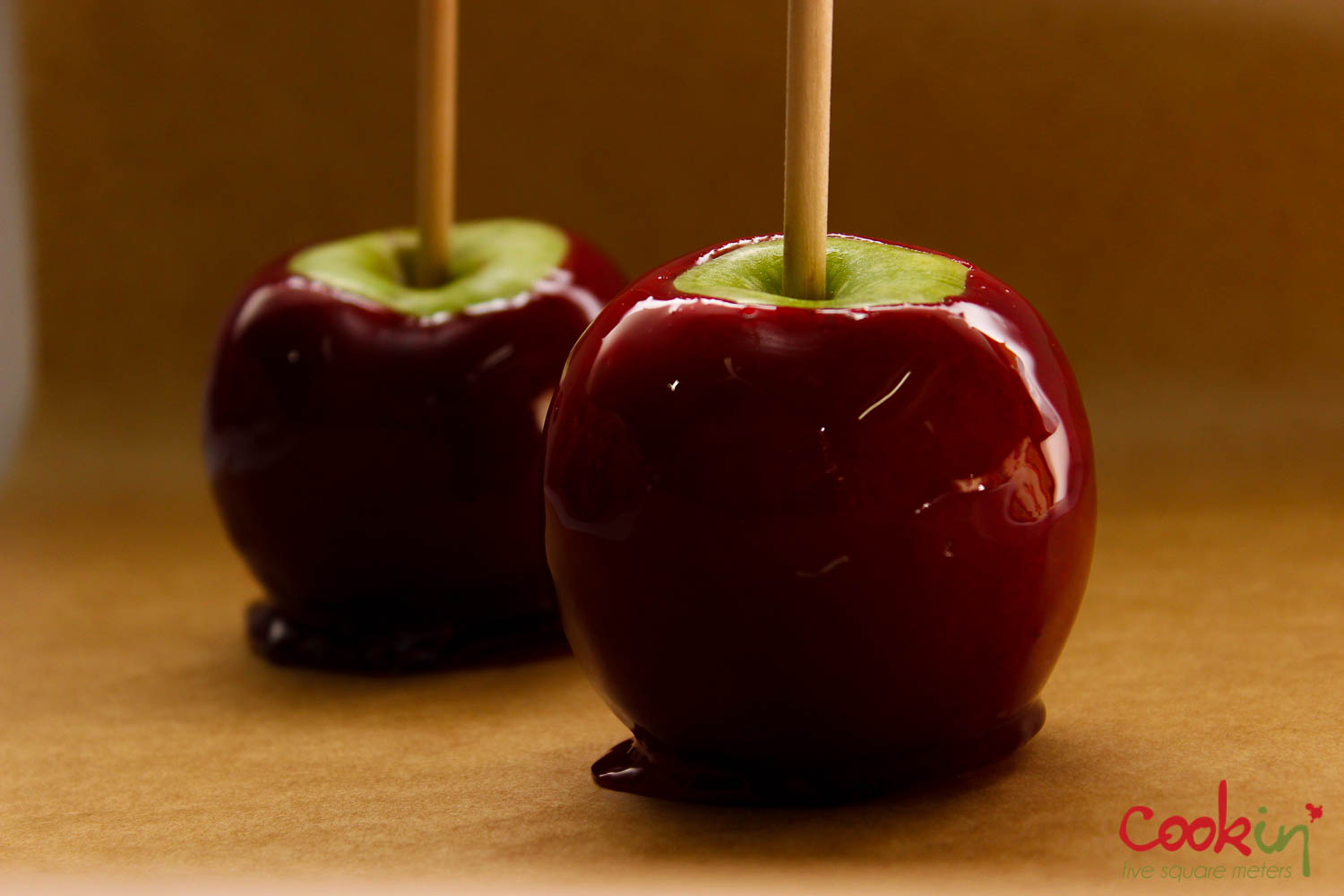 Halloween Candy Caramel Apples Recipe - Cookin5m2-3