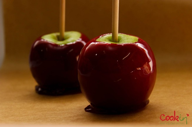 Halloween candy apples without corn syrup cookin 39 five for Caramel apple recipes for halloween