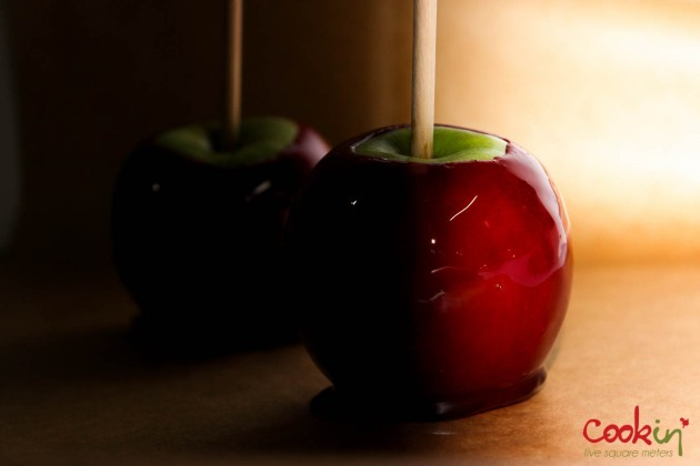 Halloween Candy Caramel Apples Recipe - Cookin5m2-4