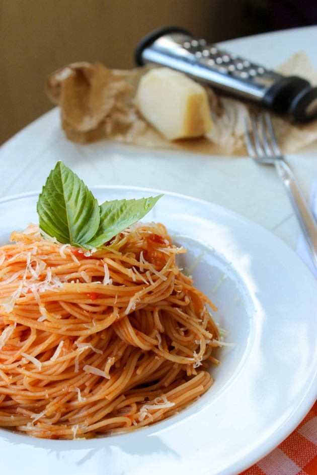 Basic Spaghetti with Tomato Sauce recipe - Cookin5m2-1