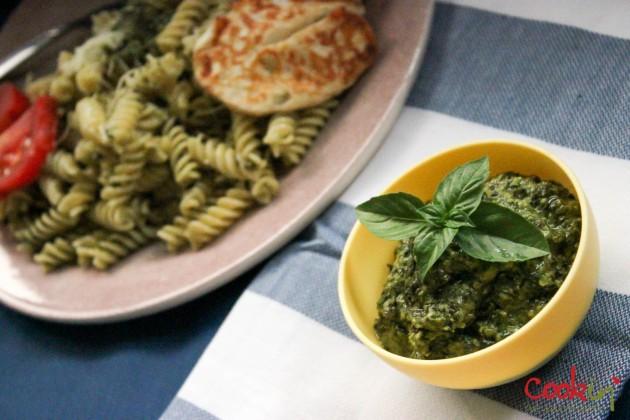 Basil Plant and basic pesto recipe - Cookin5m2-9