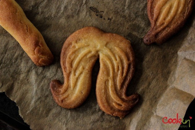 Movember Moustache cookies recipe - Cookin5m2-3