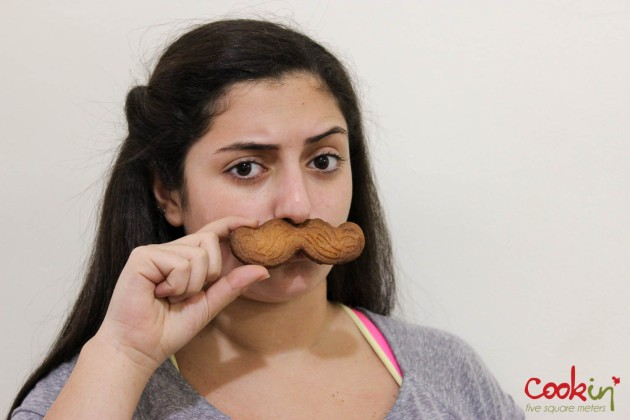 Movember Moustache cookies recipe - Cookin5m2-6