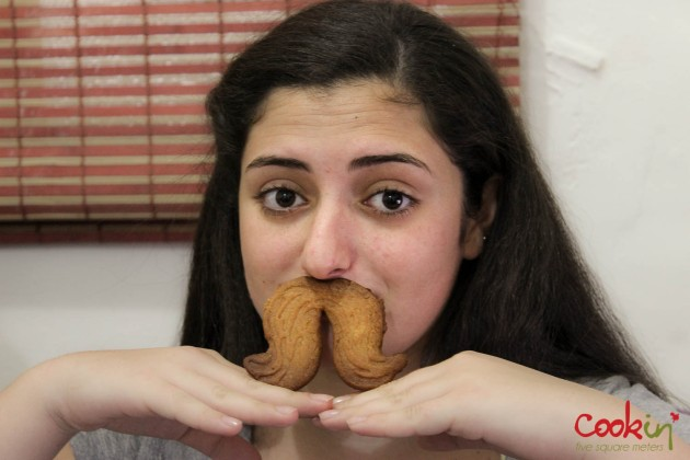 Movember Moustache cookies recipe - Cookin5m2-8