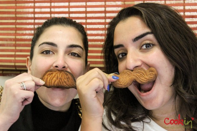 Movember Moustache cookies recipe - Cookin5m2-9