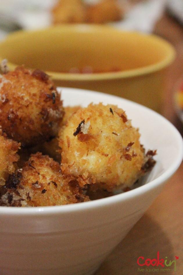 Deep fried Mozarella balls with Marinara dip Recipe - Cookin5m2-2