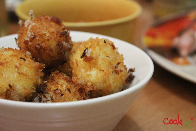 Deep fried Mozarella balls with Marinara dip Recipe - Cookin5m2-3