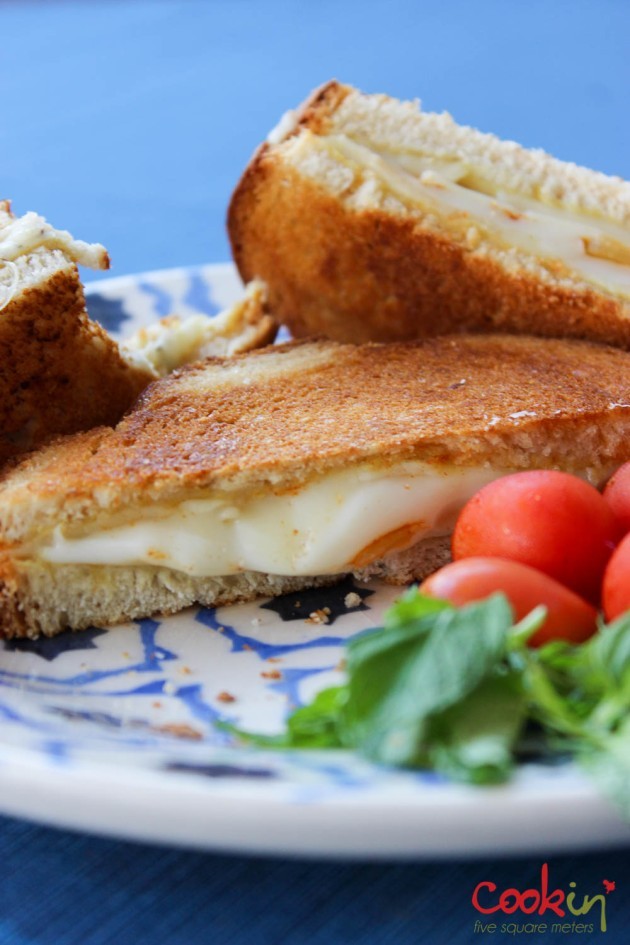 Grilled Cheese Recipe - Cookin5m2-5