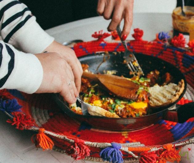 Shakshouka (Bayd bi Banadoura) Recipe - Cookin5m2-5