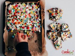 Easter White and Dark Chocolate Bark Recipe  - Cookin5m2-3