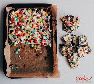 Easter White and Dark Chocolate Bark Recipe  - Cookin5m2-4