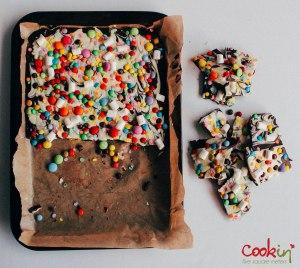 Easter White and Dark Chocolate Bark Recipe  - Cookin5m2-4