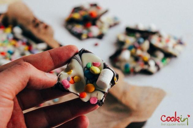 Easter White and Dark Chocolate Bark Recipe  - Cookin5m2-7