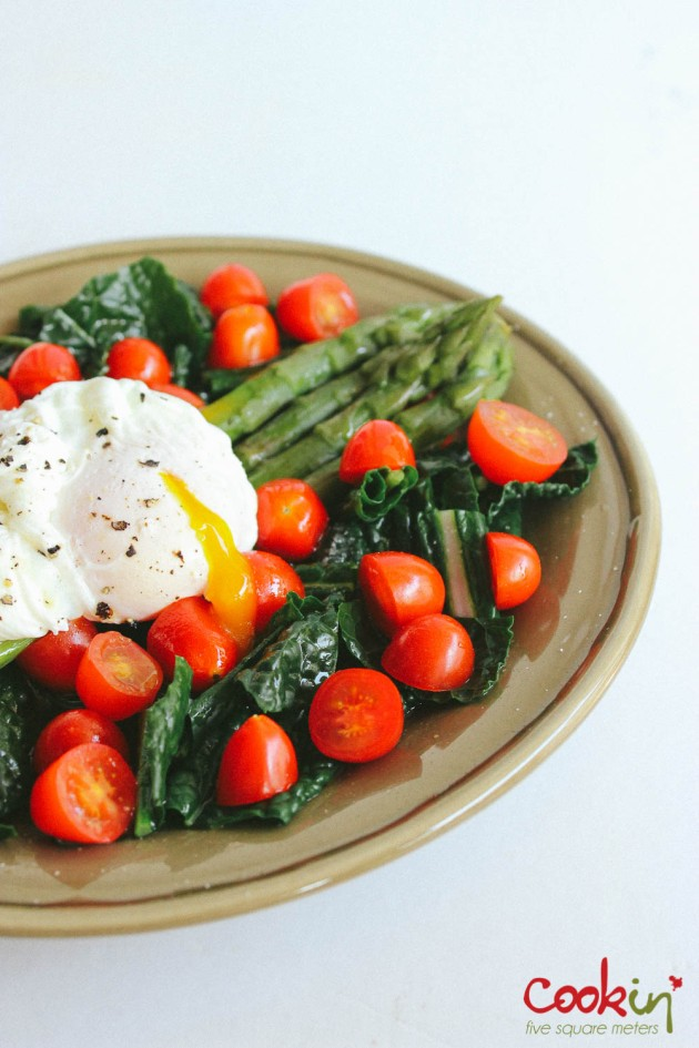 Asparagus kale tomato salad with poached egg recipe - cookin5m2-5