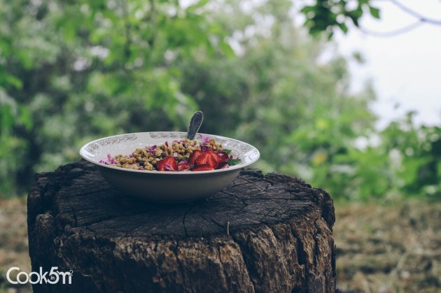 Strawberry Granola Bowl of Sunshine recipe - cookin5m2 -0993